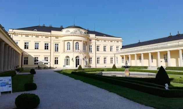 Echo Akadémia a fehérvárcsurgói Károlyi-kastélyban