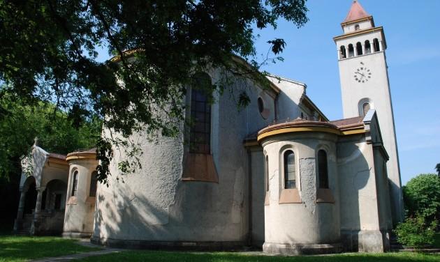 Újjászületik a 15. századi csodakegyhely Tolna megyében
