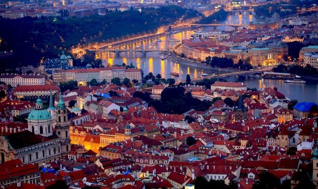 Felhőkarcolók miatt veszélyben a prágai óváros világörökségi címe