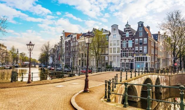 Öt napra rövidül a karantén Hollandiában