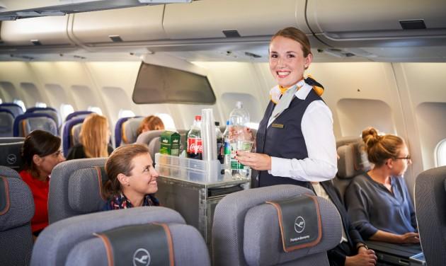 A német törvények miatt nem kérheti dolgozóitól az oltást a Lufthansa