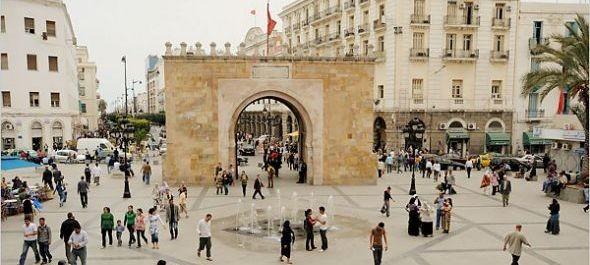 Tunézia összefogásra buzdít, egyelőre leáll a magyar charter