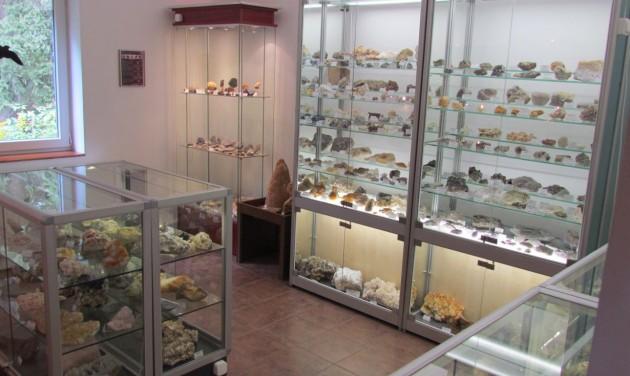 Kristálybarlang és ásványamulett a Mátra Ásványház Múzeumban