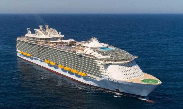 Élet a világ legnagyobb óceánjárójának fedélzetén