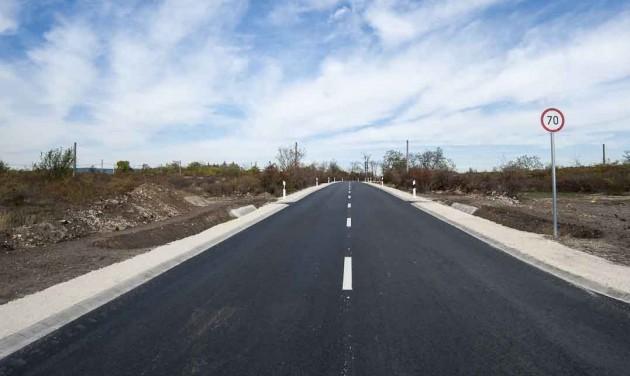 Négysávosra bővül az út Debrecen és Hajdúsámson között
