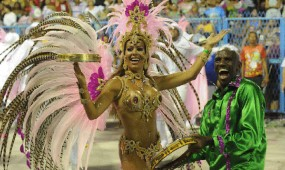 Fél szemmel már a karneválra koncentrál Rio