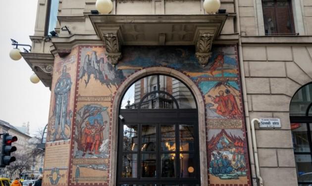 Móra Ferenc titkos szerelmének nyomában a Radisson Blu Béke Hotelben