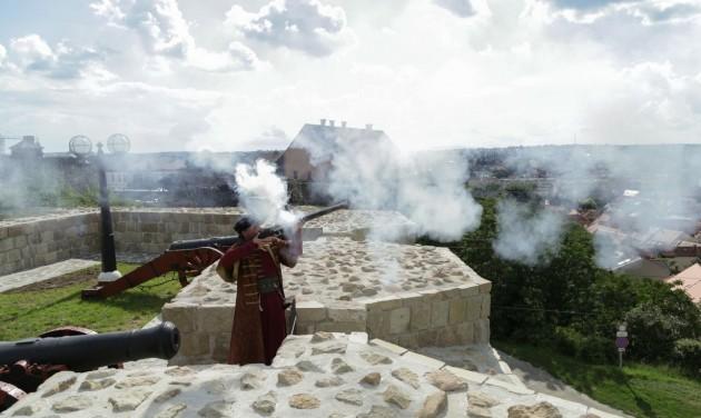Vis maior támogatást igényel Eger a vár leomlott támfalának helyreállítására