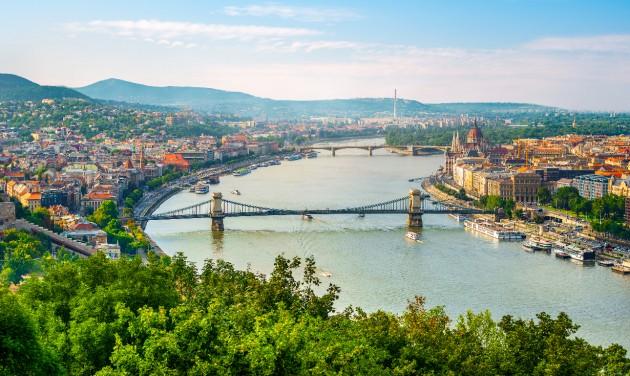 Továbbfejlesztik Budapest grafikai arculatát