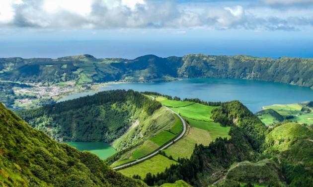 Nincs is olyan messze az Atlanti-óceán zöld gyöngyszeme