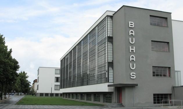 Bauhaus-busszal a világ körül