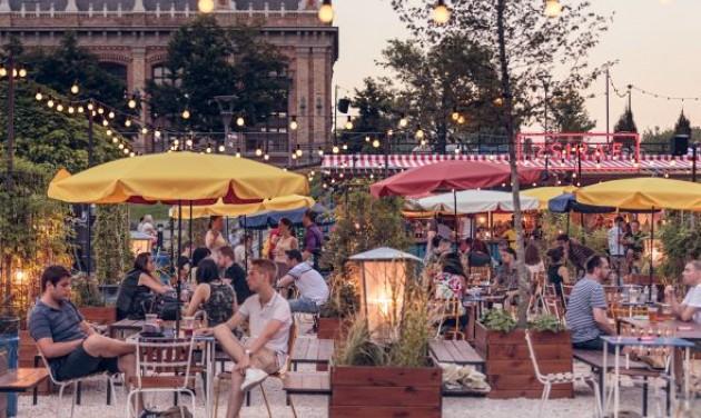 Oktoberfest és Art Garden az Eiffel téren