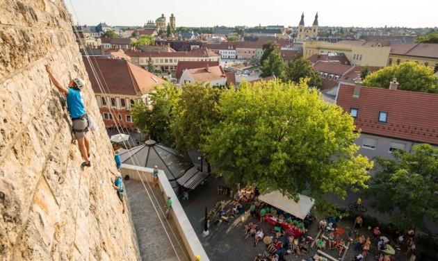 Próbáld meg, amit a törökök: mászd meg az Egri vár falait!