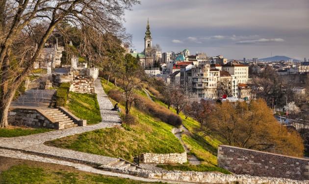 Határnyitások és kötelező teszt több nyugat-balkáni országban