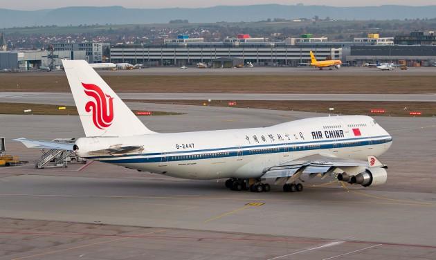 Harmadolta az Air China a Peking-Budapest járatai számát