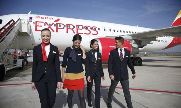 Bírság, amiért terhességi tesztre kötelezték a stewardess-jelölteket