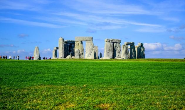 Alagút épül a Stonehenge mellé