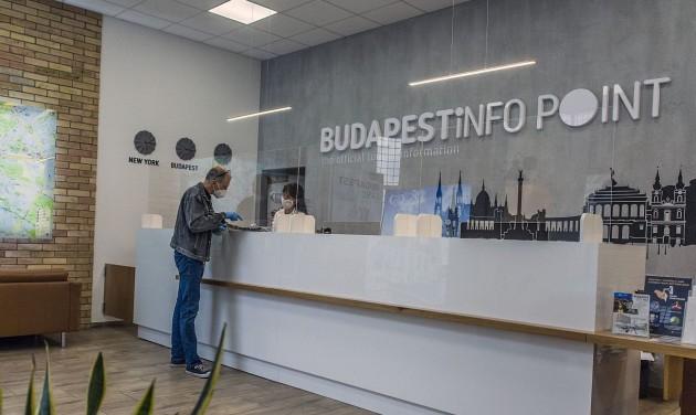 Újranyitnak a budapesti turisztikai információs irodák