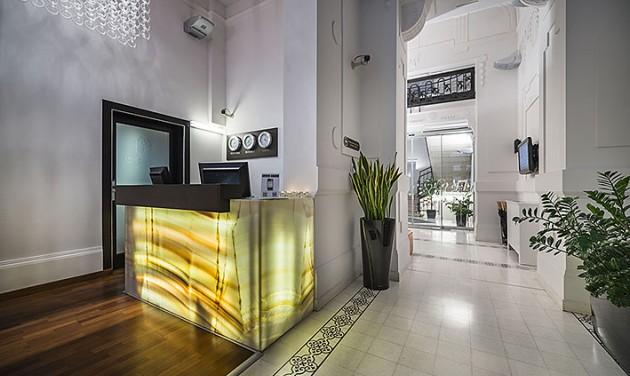 Szállodai recepciós, Opera Garden Hotel & Apartments, Budapest