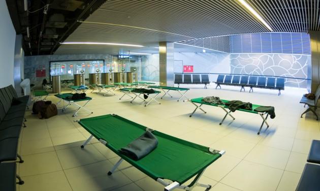 Hetedére zuhant a Budapest Airport forgalma