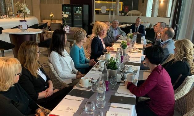 MSZÉSZ: a Balatoni régió szezonnyitó üzleti reggelije Füreden