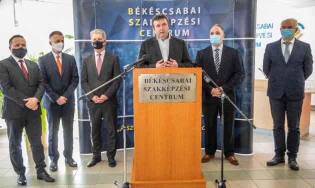 A hazai repülőgépipar központja lesz Békéscsaba és Gyula