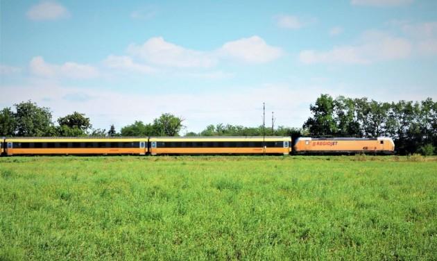 Szünetelteti a RegioJet a magyarországi vonatait