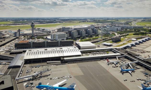 Több mint 200 járatot töröltek Amszterdamban