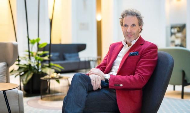 A hozzáállással van a baj – rádióinterjú Flesch Tamással