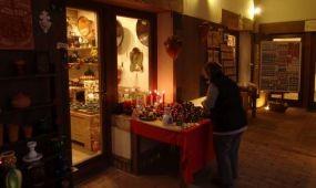 Adventi kézműves vásár Visegrádon a Palotaházban