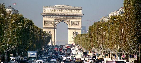 Forgalomkorlátozás a régi autókra Párizsban