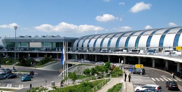 900 forint lesz a jegy a Deák térről induló új reptéri buszra