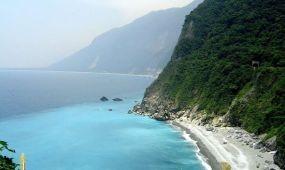 Mázsaszámra vinnék haza a kínaiak a szerencsét hozó köveket a tajvani tengerpartról