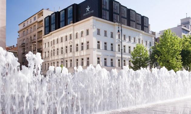 Szállodai recepciós, Iberostar Grand Budapest