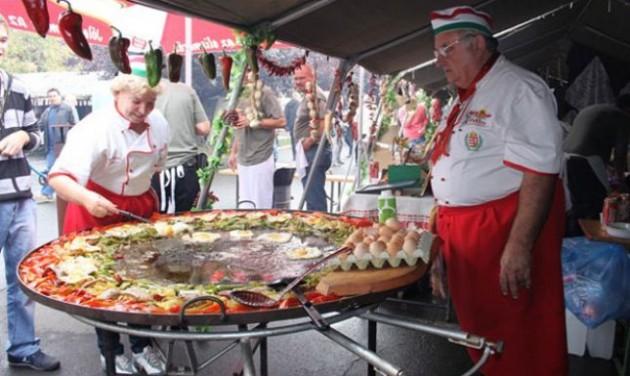 Paprikás ételek főzőversenye Kalocsán