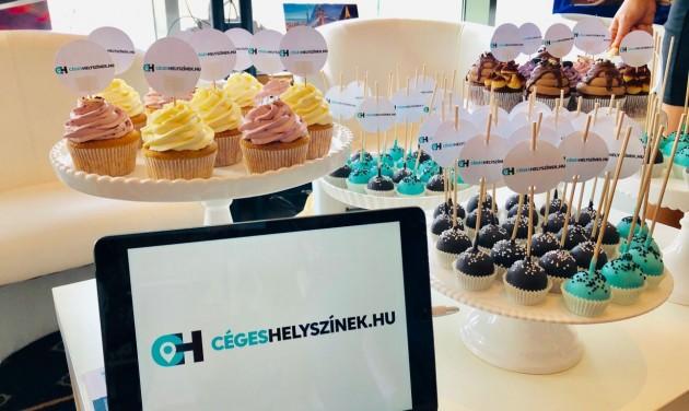 Pezsgő és cupcake a CegesHelyszinek.hu standján a MICE Business Dayen