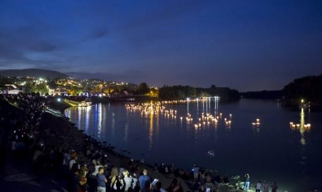 Gyertyaúsztatás, vízi sportok és koncertek a szentendrei Ister Napokon