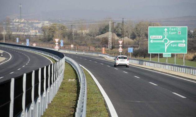 Átadták az M25-ös autópálya első szakaszát