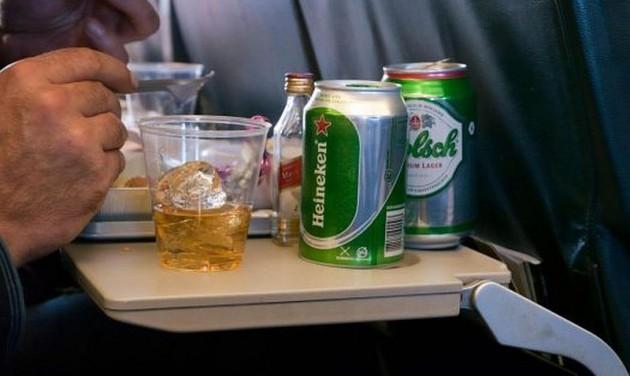 Börtönbe is kerülhet a részeg légi utas