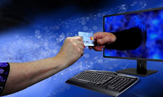 Terjed az online vásárlás, csökken a márkahűség