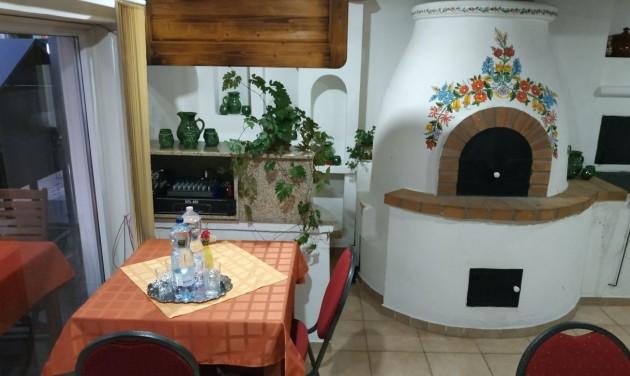 Kemenceskanzen és gasztroudvar nyílt Balatonendréden