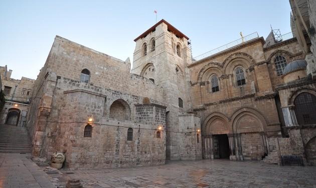 Bezárt a jeruzsálemi Szent Sír-bazilika