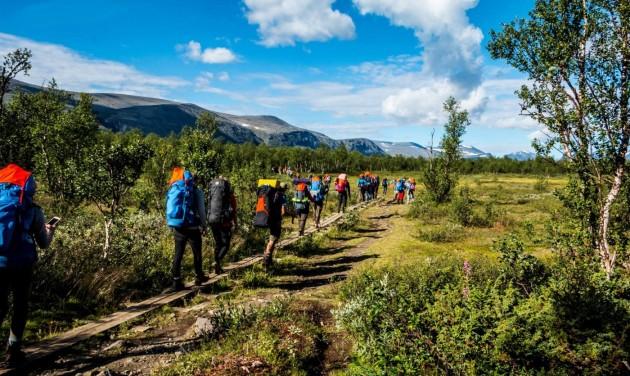 2000 ember szelte át a svéd Lappföldet