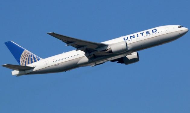 Elveszíthetik munkájukat a United Airlines oltatlan dolgozói