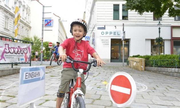 Játszóteret csinálnak az utcákból Bécsben