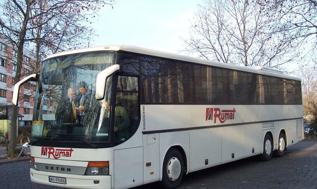 Januártól szigorodnak az iskolai buszos kirándulások feltételei