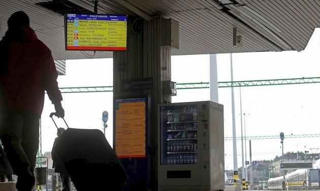 Vandálbiztos tájékoztató monitorok a Déliben
