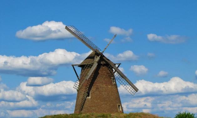 Kengyel: nyár végére megújul a műemlék szélmalom