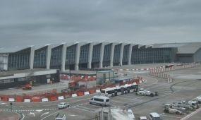 Birtokba vették az utasok a Connectort a brüsszeli repülőtéren