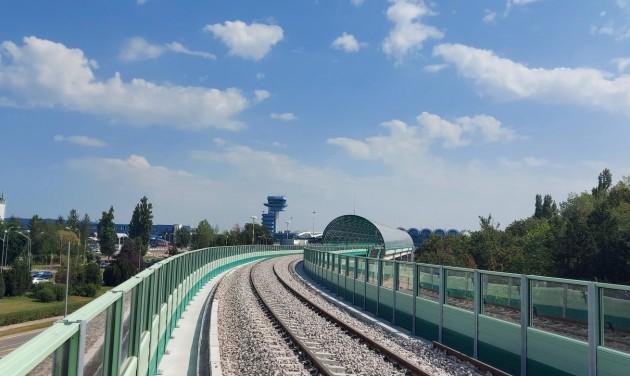 Repülőtéri vasutat avatnak Bukarestben